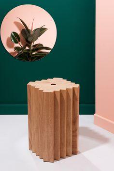Designer aux origines libanaises installé en France, Charles Kalpakian mêle dans ses créations de mobilier ces deux influences exemple Aztek #design #tabouret