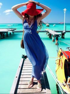 blue maxi dress and red hat! Beach summer!