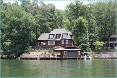 Lake Cabin Design Ideas That Will Wow You (7)
