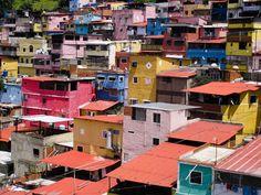 Barrio La Piedrita, 23 de Enero http://caracasshots.blogspot.com/2013/08/slum-life-la-piedrita.html   #Caracas #Venezuela