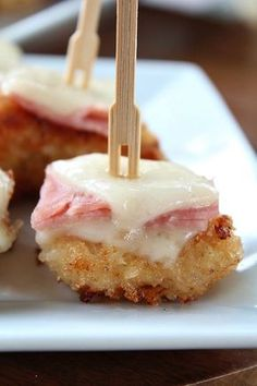 35 Easy Appetizer Ideas Chicken Cordon Bleu Bites by Great Grub, Delicious Treats Finger Food Appetizers, Holiday Appetizers, Yummy Appetizers, Appetizer Recipes, Toothpick Appetizers, Appetizer Ideas, Party Appetizers, Chicken Appetizers, Brunch Finger Foods