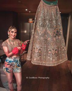 8 steps to planning an Indian wedding Indian Wedding Bride, Indian Wedding Outfits, Bridal Outfits, Bridal Dresses, Indian Weddings, Indian Outfits, Indian Attire, Indian Wear, Elegant Wedding