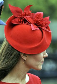 Duchess Kate: Lady in Red Kate Joins Senior Royals for The Thames Diamond Jubilee Pageant - Love the hat