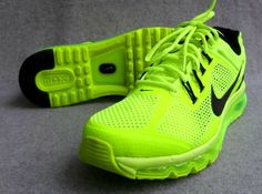 NIKE AIR MAX 2013 'VOLT' - Okay, so i know these are super bright, but aren't they awesome! It reminds me of the shoes they wore in the Olympics. Nike Free Runs, Nike Running, Running Shoes, Running Trainers, Athleisure, Zumba, Air Max Sneakers, Sneakers Nike, Adidas Shoes