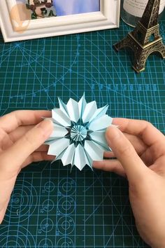 10 pretty and fun origami ideas DIY tutorials videos part 8 10 pretty and amusing origami ideas DIY tutorials videos part 8 Paper Crafts Origami, Easy Paper Crafts, Origami Art, Diy Crafts To Do, Diy Crafts Hacks, Making A Bouquet, Flower Crafts, Diy Art, Diy Tutorial