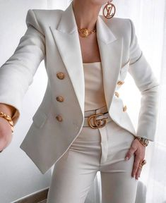 Image uploaded by Jarbas Jacare. Find images and videos about fashion, style and white on We Heart It - the app to get lost in what you love. Glamouröse Outfits, Teen Fashion Outfits, Office Outfits, Cute Casual Outfits, Stylish Outfits, Stylish Winter Outfits, Casual Winter, Look Blazer, Mode Kpop