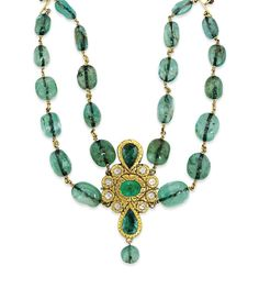 AN INDIAN EMERALD BEAD AND DIAMOND NECKLACE.. INDIA..