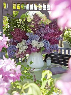Lilacs || Gorgeous multi-color Lilac centerpiece arrangement