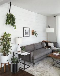 Small Living Room Layout, Small Living Rooms, Interior Design For Small Living Room, Small Living Room Ideas On A Budget, Small Living Room Designs, Apartment Interior Design, Interior Paint, Luxury Interior, Room Interior