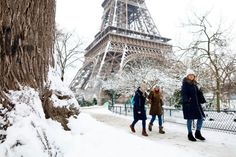 It Snowed so Much in <span class='hlsh'>Paris</span>, The Eiffel Tower Was Closed