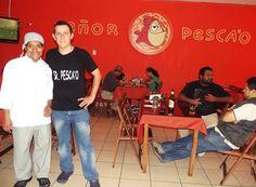 En esta foto se puede apreciar al Chef principal del   SeñorPesca'o junto al administrador Alex Díaz Dávila.  #DestinoPuebloLibre