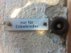 """an old ladie´s doorbell """"only grandchildren"""""""