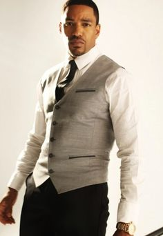 Laz Alonso....lawd have mercy