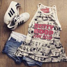Hoy es Miércoles de cine, pasa por Veruka y mira las cositas que tenemos para ti ✨✨✨ . . . Visítanos en: C.C. Santa Lucía Plaza Local N 2-13 Neiva O compra Online😉 www.verukaonline.com . . . #santaluciaplaza #neiva #moda #modaneiva #jovenes #modateen #modajuvenil #ropaneiva #neivaropa #pintacompleta #pinta #short #body #flores #bodydeflores #outfit #outfitoftheday #pintadeldia