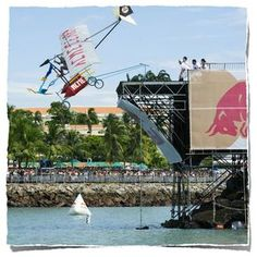 Looking for #FunEvent to visit during your #GrandBeachHotel visit?! #RedBullFlugtag in #Miami is the place to be… http://www.grandbeachhotelblog.com/grandbeachmiami/2013/08/ready-set-splash-at-red-bull-flugtag-in-miami.html