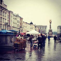 ... Samstags am #flohmarkt  #fleamarket #linz #oö #upperaustria #igerslinz #lnz #linzpictures #shopping #fashionblogger #downtown #citylife #saturday #potd #instweather #instacool #goodmorning  #coffee #getupandgetit #igersaustria #iglegends