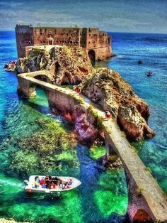 Fort de Saint John the Baptist, Berlengas Islands, Peniche - Portugal. Visited Peniche but didn't see this! Vacation Destinations, Dream Vacations, Vacation Spots, Vacation Rentals, Vacation Trips, Saint John, Places Around The World, Oh The Places You'll Go, Top Places To Travel