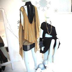 Fashion designer collar 100 % silk ,perfect condition. More pictures on the next listening ✌️ Stelios Koudounaris Accessories