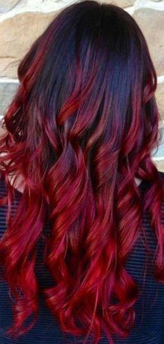 Resultado de imagen para cabello negro con mechas californianas rojas