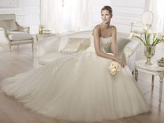 Pronovias presents the Octavia wedding dress. Full Figure Wedding Dress, Wedding Dress With Veil, Perfect Wedding Dress, Wedding Bride, One Shoulder Wedding Dress, Tulle Wedding, Wedding Ideas, Bridal Dresses 2015, Bridal Gowns