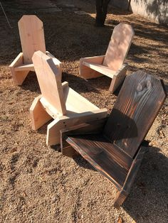 One Board Campfire Chairs - Complete Build Plans Available #diy #howto #outdoorfurntiure Diy Furniture Plans Wood Projects, Diy Outdoor Furniture, Outdoor Chairs, Garden Seating, Garden Chairs, Home Workshop, Diy Chair, Building Plans, Adirondack Chairs
