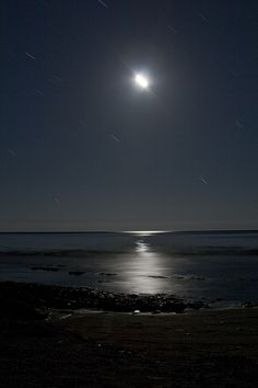 20 photos of beaches at night  www.photographyblogger.net