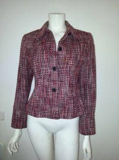 Abrigo corto , ideal para el invierno , jaspeado colores rojo blanco y negro Talla M  Comprado en Francia