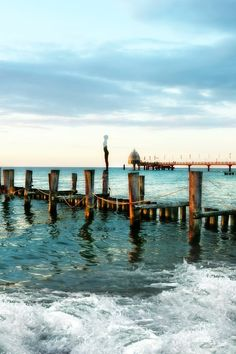 New free photo from Pexels: https://www.pexels.com/photo/beach-bridge-coast-dawn-274055/ #jetty #sea #dawn