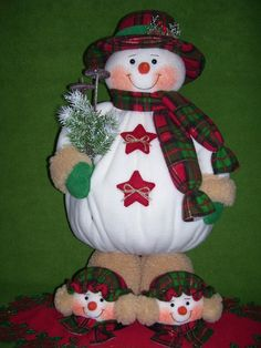 Christmas Woodland Snowman Ready to Ski Decoration Christmas Clay, Christmas Snowman, Christmas Projects, Christmas Holidays, Christmas Ornaments, Snowman Crafts, Holiday Crafts, Holiday Decor, Ski Decor