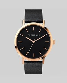 Black Gold Fashion Rose Gold / Black Face / Black Leather - Features include a polished rose gold stainless steel case, black dial with minimalist rose gold markers, and a black genuine leather band. The Horse logo lettering on dial and at buckle closure. Horse Watch, Black Leather Watch, Black And Gold Watch, Black Face Watch, Tan Leather, Black Gold Jewelry, Daniel Wellington, Bling Bling, Watches For Men