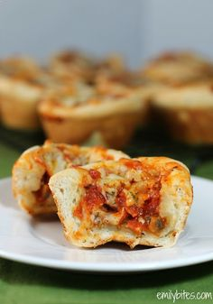 Emily Bites - Weight Watchers Friendly Recipes: Pizza Cups2.5 oz fresh white mushrooms, diced 20 slices turkey pepperoni, chopped  cup pizza sauce (I used Classico Traditional Pizza Sauce and it was awesome) 1 (11 oz) can Pillsbury Crusty French Loaf refrigerated dough 1/3 c shredded 2% reduced fat Mozzarella cheese  - 1/3 teaspoon of Italian Seasoning