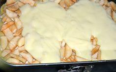 Prajitura grilaj cu mere si budinca de vanilie   MiremircMiremirc Camembert Cheese, Mashed Potatoes, Deserts, Dairy, Ethnic Recipes, Food, Whipped Potatoes, Smash Potatoes, Essen