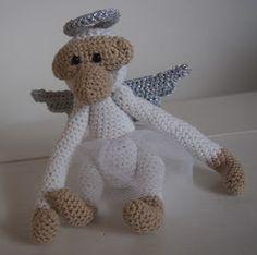 To fantastisk engle er gået igennem mine hænder. Jeg har lavet den ene helt hvid med hvid glorie og vinger. Og den enden er lavet med s...