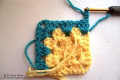 "MiteredGrannyTurn-tutorial for ""mitered granny squares"