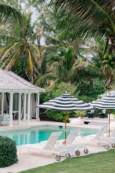 The Dunmore, Harbour Island – Gal Meets Glam Pool Outdoor Spaces, Outdoor Living, Outdoor Decor, Harbour Island Bahamas, Harbor Island, Home Modern, Pool Houses, Pool Designs, Best Hotels