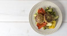 urkey burgers by the Greek chef Akis Petretzikis. Light Recipes, Beef, Meals, Breakfast, Food, Drink, Kitchens, Skinny Recipes, Meat