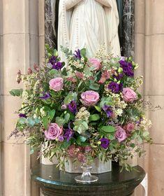 Wild and natural pedestal arrangement for a church wedding Gardenia Wedding Flowers, Funeral Flowers, Church Wedding, Pedestal, Wedding Events, Floral Wreath, Wreaths, Natural, Floral Crown