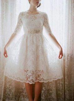 Vestido de noiva com renda curto