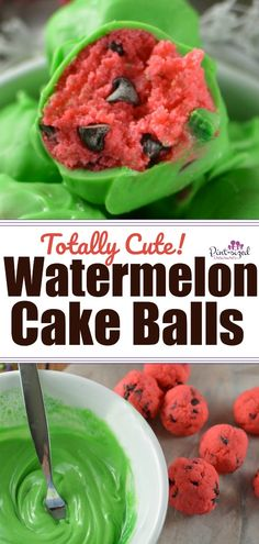 These totally cute, watermelon cake balls are made from a strawberry cake mixed have tiny chocolate chips all tucked inside. Lastly, the cake balls are dipped in gorgeous, green chocolate to create the yummiest, and prettiest cake pops! Watermelon Cake Pops, Cute Watermelon, Strawberry Cake Pops, Watermelon Decor, Cheesecake Strawberries, Strawberry Sauce, Oreo Pops, Oreo Dessert, Mini Desserts