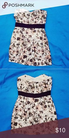 Forever 21 Strapless Floral Dress In perfect condition. Really cute for summer. Makes your boobs look great! Soft and comfortable fabric. Forever 21 Dresses Mini
