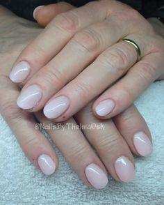 Subtle white-ish pink hardgel manicure / @NailsByThelmaOsk