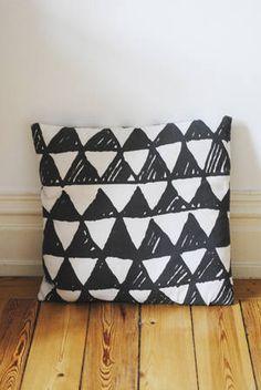 Little Studio Mountains  #triangles
