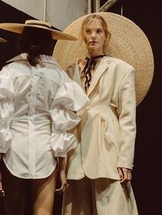 Backstage at Jacquemus PFW Dazed Photography Chloé Le Drezen Fashion Week, Paris Fashion, Trendy Fashion, Runway Fashion, Fashion Art, High Fashion, Fashion Show, Fashion Looks, Fashion Design
