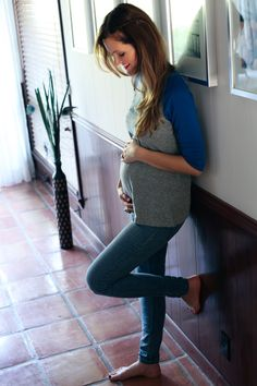 23 weeks pregnant maternity style by, www.lovemebright.com #bumpstyle