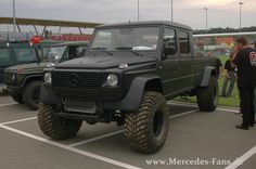Mercedes-Benz G 500 ready for serious off-roading, bugging out, etc.