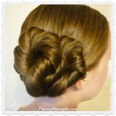 Hairstyles for girls, cute hairstyles & tutorials for waterfall braids, fishtail braids, how to french braid, dutch braid & prom hairstyles. Prom Hairstyles For Short Hair, Short Hair Updo, Princess Hairstyles, Vintage Hairstyles, Formal Hairstyles, Latest Hairstyles, Updo Hairstyles Tutorials, Box Braids Hairstyles, Girl Hairstyles