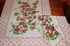 2 Red Green Floral Linen Towels, Pair Of French Country Printed Flowers Linen Tea Towels, Cottage Chic Roses Dish Towels, Kitchen Decor