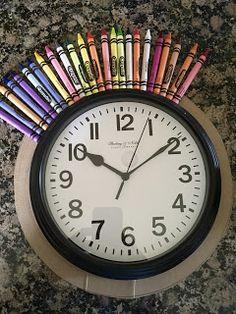 it's art day: Classroom Crayon Clock Year End Teacher Gifts, Easy Teacher Gifts, Teacher Christmas Gifts, Teacher Appreciation Gifts, Crayon Themed Classroom, Art Classroom, Classroom Themes, School Wreaths, Teacher Wreaths