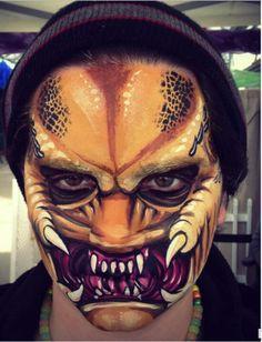Predator 2 Scary Face Paint, Zombie Face Paint, Face Paint Makeup, Body Makeup, Sfx Makeup, Makeup Art, Amazing Halloween Makeup, Halloween Face Makeup, Halloween Face Paint Scary