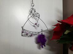 ✳+Andílek+vánoční+IX+...+je+vyroben+z+černého+žíhaného+drátu.+Výška+andílka+je+16cm.+Určeno+do+interieru. Dream Catcher, Wire, Drop Earrings, Jewelry, Decor, Dreamcatchers, Jewlery, Decoration, Jewerly